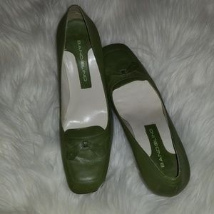 Bandolino green leather heels 7
